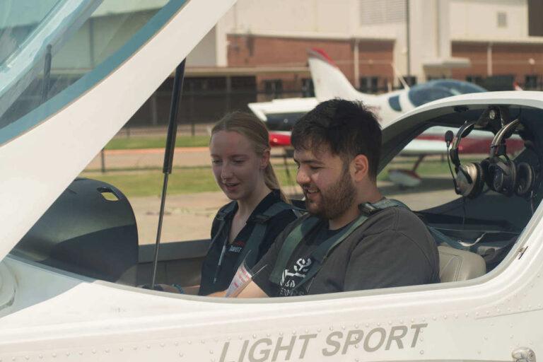 Preparing for a discovery flight in a sportcruiser